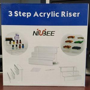 Brand new 3 step acrylic riser